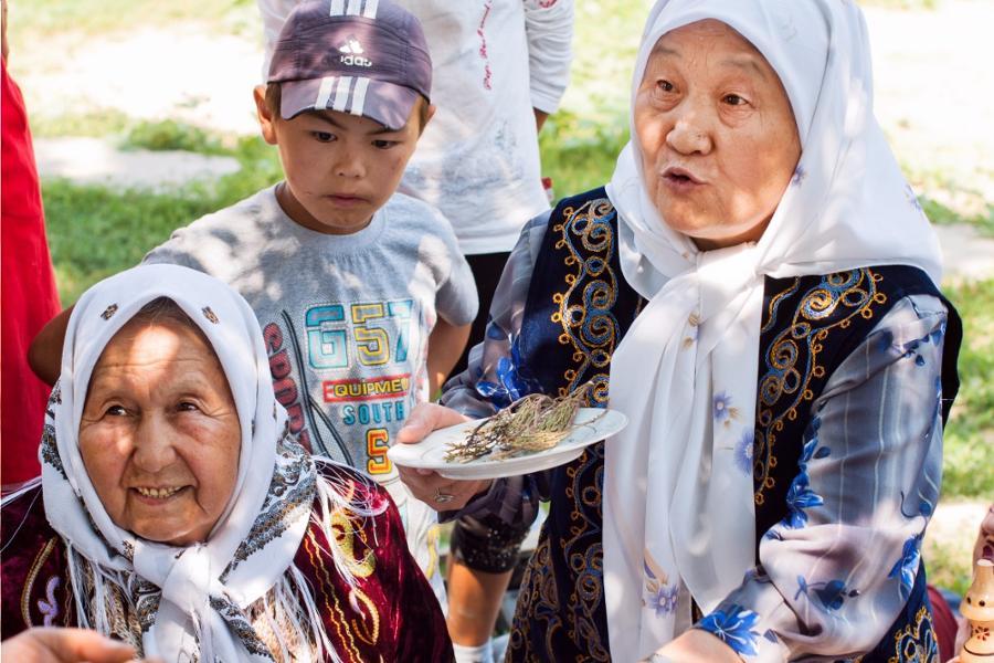 Comment aider les locaux lors de votre voyage au Kirghizistan